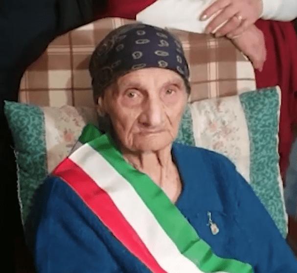 Zi Francesca - Centenaria di Centola 2020. Ha compiuto 100 anni il 28 gennaio 2020 la nonnina del Cilento.
